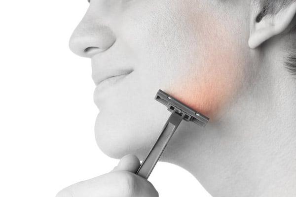 La pierre d'Alun : après rasage et anti-irritation naturel